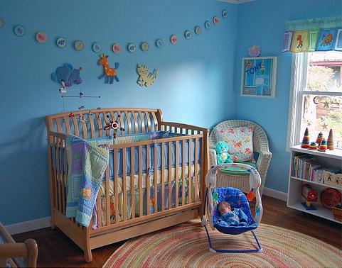 Как украсить комнату новорожденного своими руками